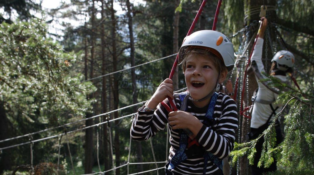 Klettergurt Für Hochseilgarten : Hochseilgarten sterzing familienhotel feuerstein südtirol